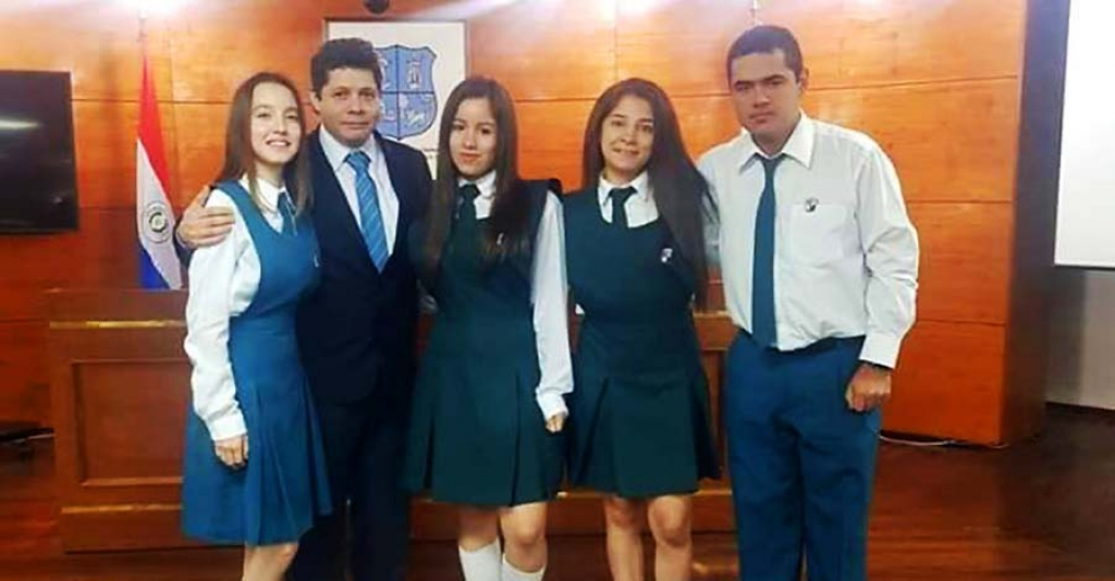 Students from Paraguay are recognized for developing an educational game for teaching children's rights